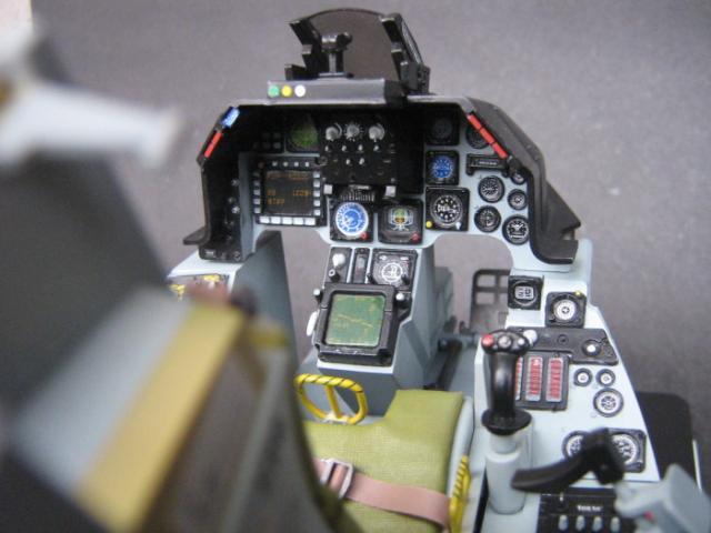 1比12的f-16a驾驶舱 [第1页]